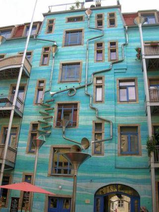 Kunsthofpassage-funnel-wall.12.large_slideshow