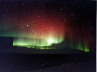 800px-Red_and_green_aurora