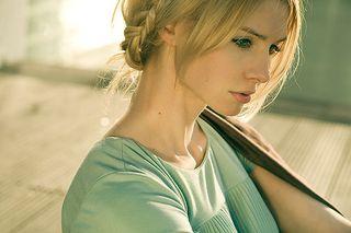 Beauty_blonde_face_girl_porttrait-6d1942f0ab0886576c5f33f214e4d879_h_large